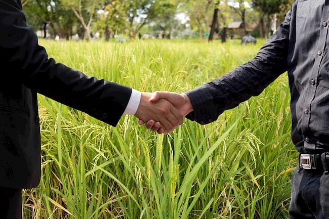 農業の求人 エージェントとの契約場面のイメージ
