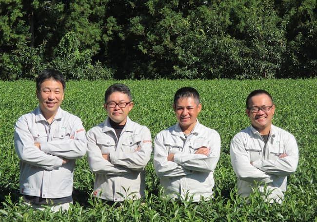 深緑茶房の4人の取締役。左から松倉さん、高尾さん、仁田さん、西村さん