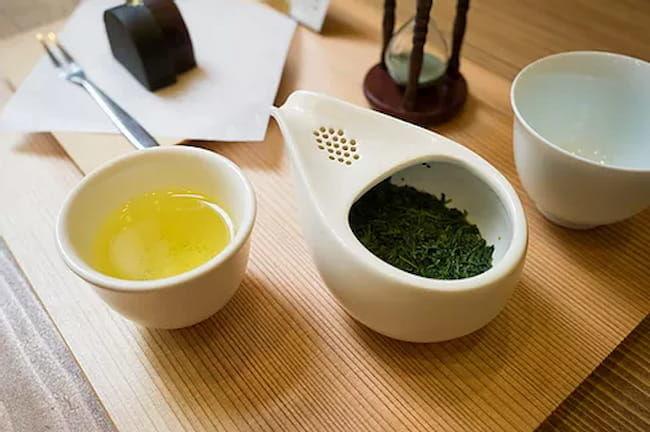 深緑茶房名古屋店の伊勢茶メニュー「急須で楽しむお茶」