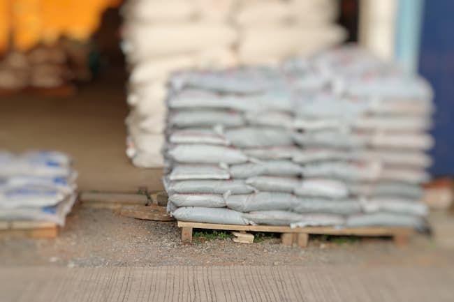 石灰など農業用の肥料