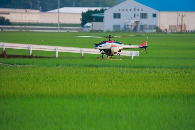 ヘリコプターによる肥料や農薬の散布