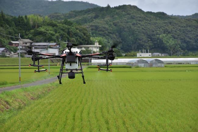 農業用ドローンによる農薬散布