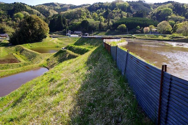 トタン板の防護柵