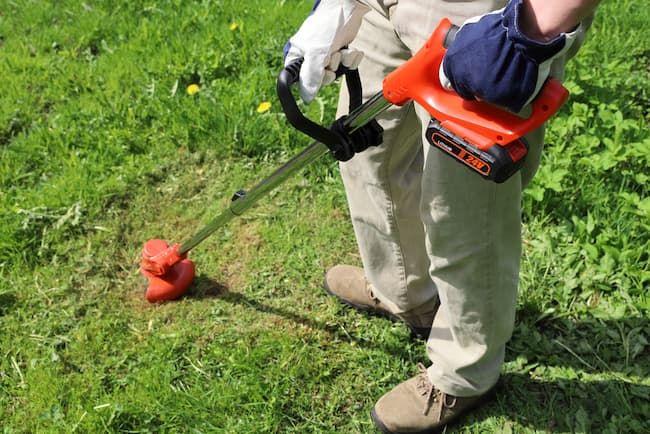 充電式の草刈り機(刈払い機)