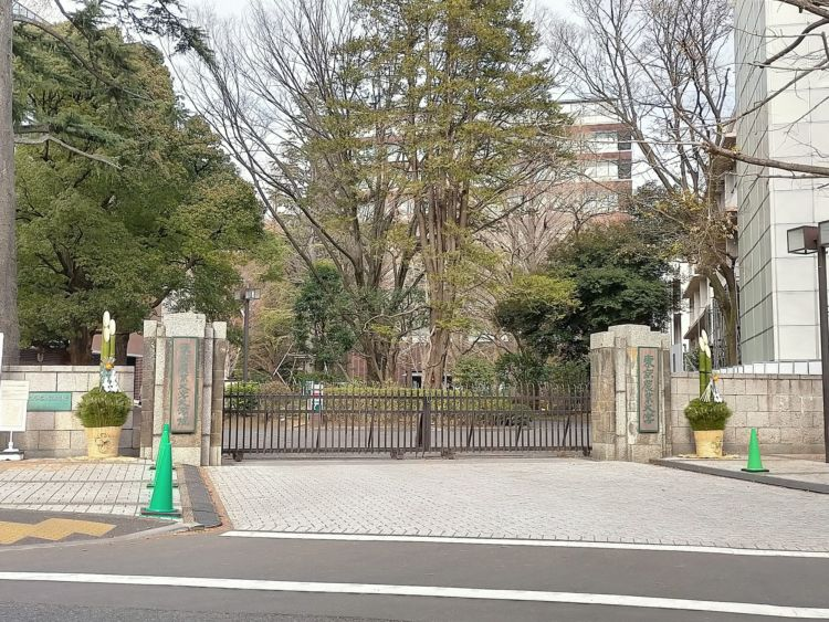 東京農業大学正門