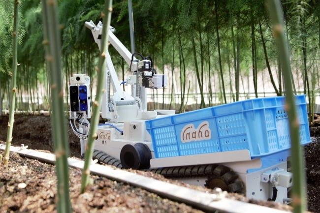 inaho株式会社のアスパラガス自動収穫ロボット
